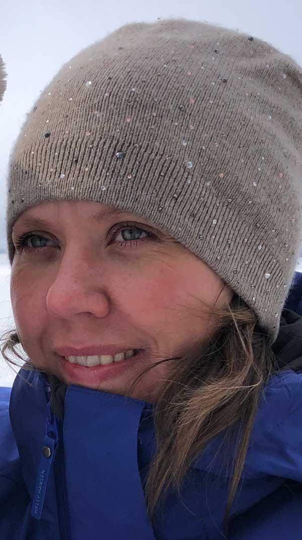Laura har utbildning som pianopedagog från Finland