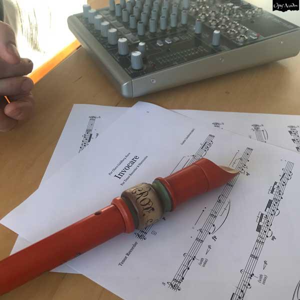 Gustav undervisar i komposition klicka på bilden och läs mera.
