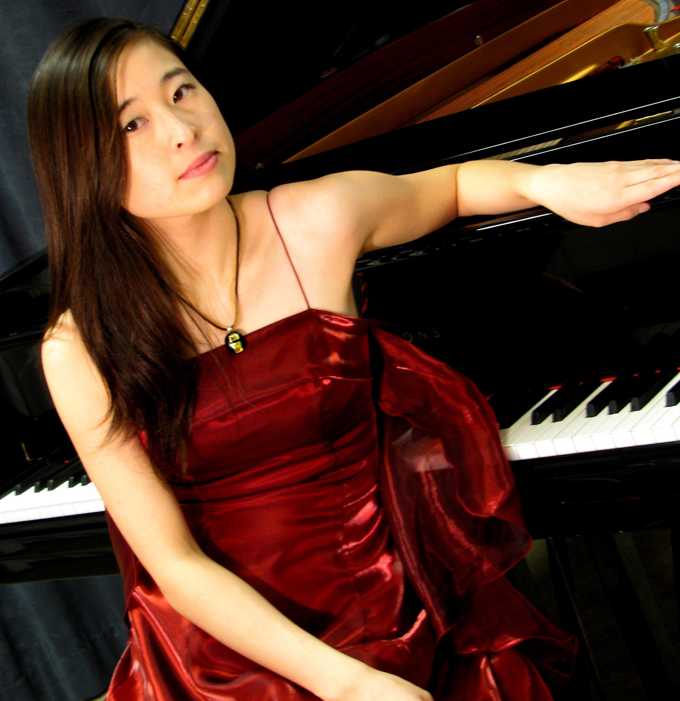 Asuka Nakamura pianist