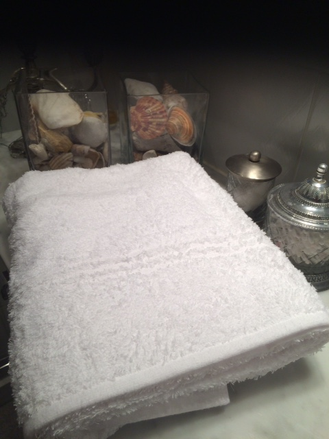 en handduk att känna på.